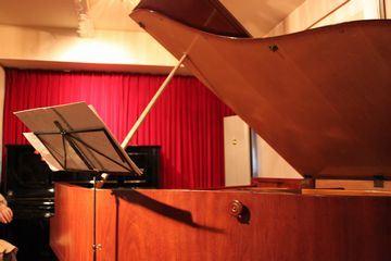 02_piano.jpg